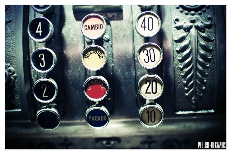 Antigua Maquina registradora detalle botonera 2