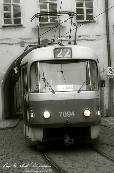 Tranvía 7094 b&n